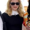 Madonna portait des lunettes de soleil Yves Saint Laurent au festival de Venise, model YSL 2320/S