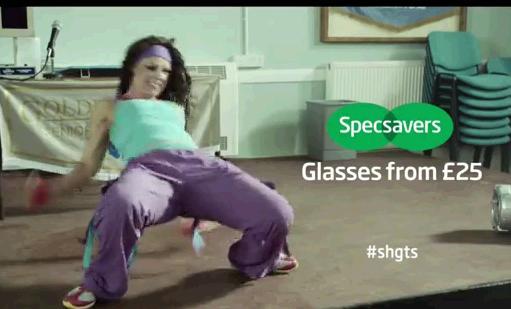 Specsavers, une publicité pour des lunettes amuse toute l'angleterre